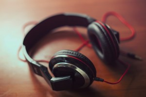 headphones-407190